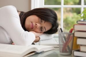 iStock_000010887947_Full-sleeping-at-desk